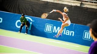Nicole Gibbs flying high for the Orange County Breakers